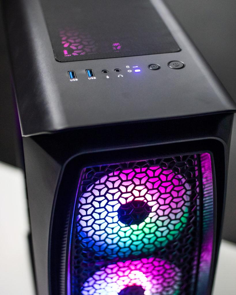 A caixa ATX Aerocool do King Mod Gamer R7